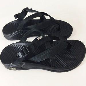 Chaco HipThong EcoTread black sandals Sz6